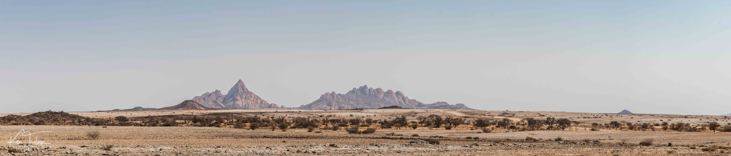 Spitzkoppe View SuperWide - Namibia (shot on a tripod) Camera: Canon 200D Lens: 24-70mm f/4 L 15370 x 3295
