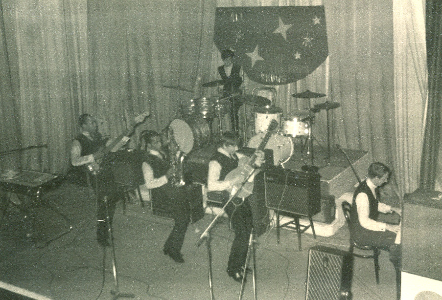 CHECKMATES IN ACTION STAR CLUB.jpg