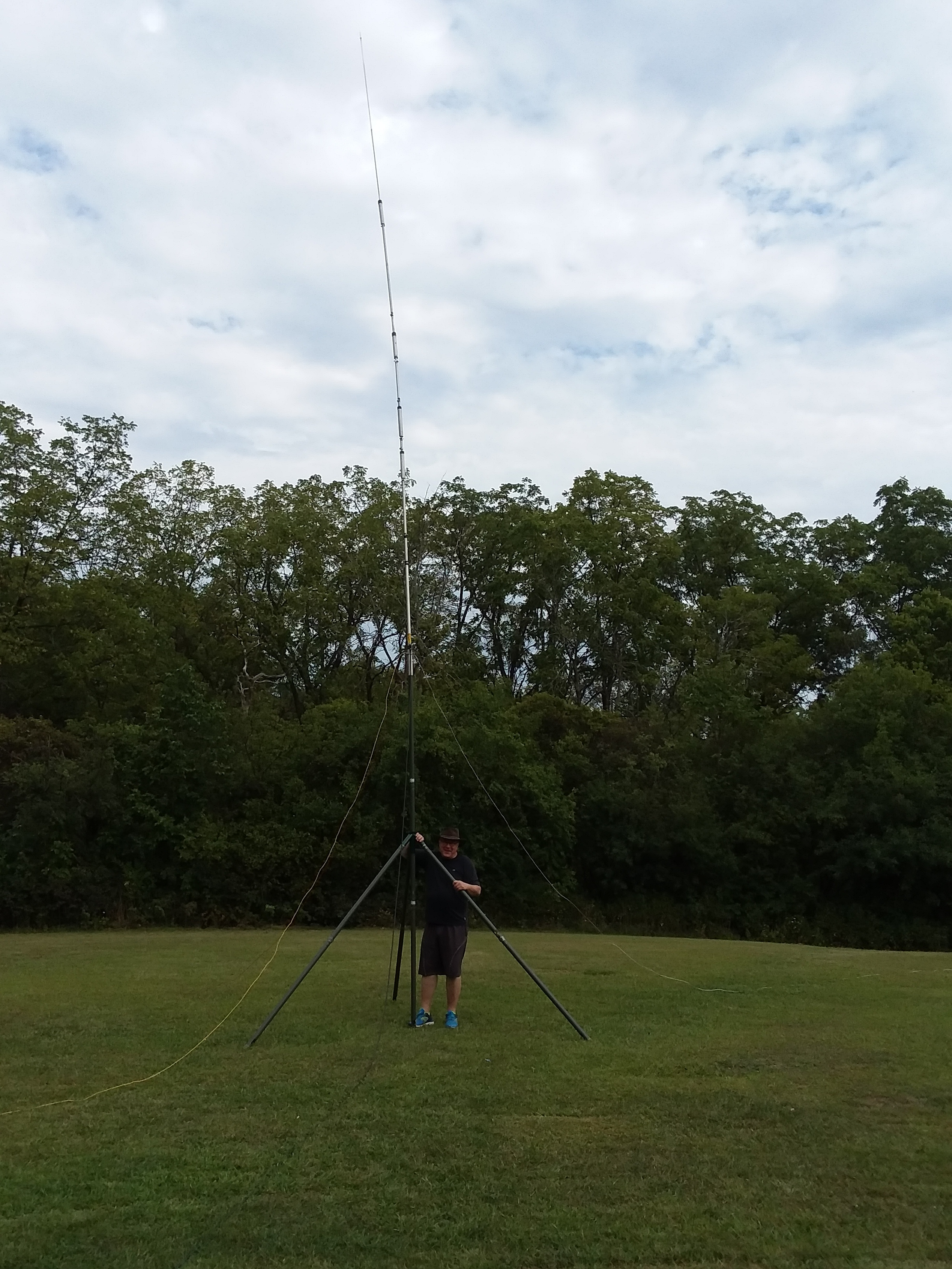 George (N9VTB) was out in the woods early to save our spot at Bemis Woods. He set up a great antenna.