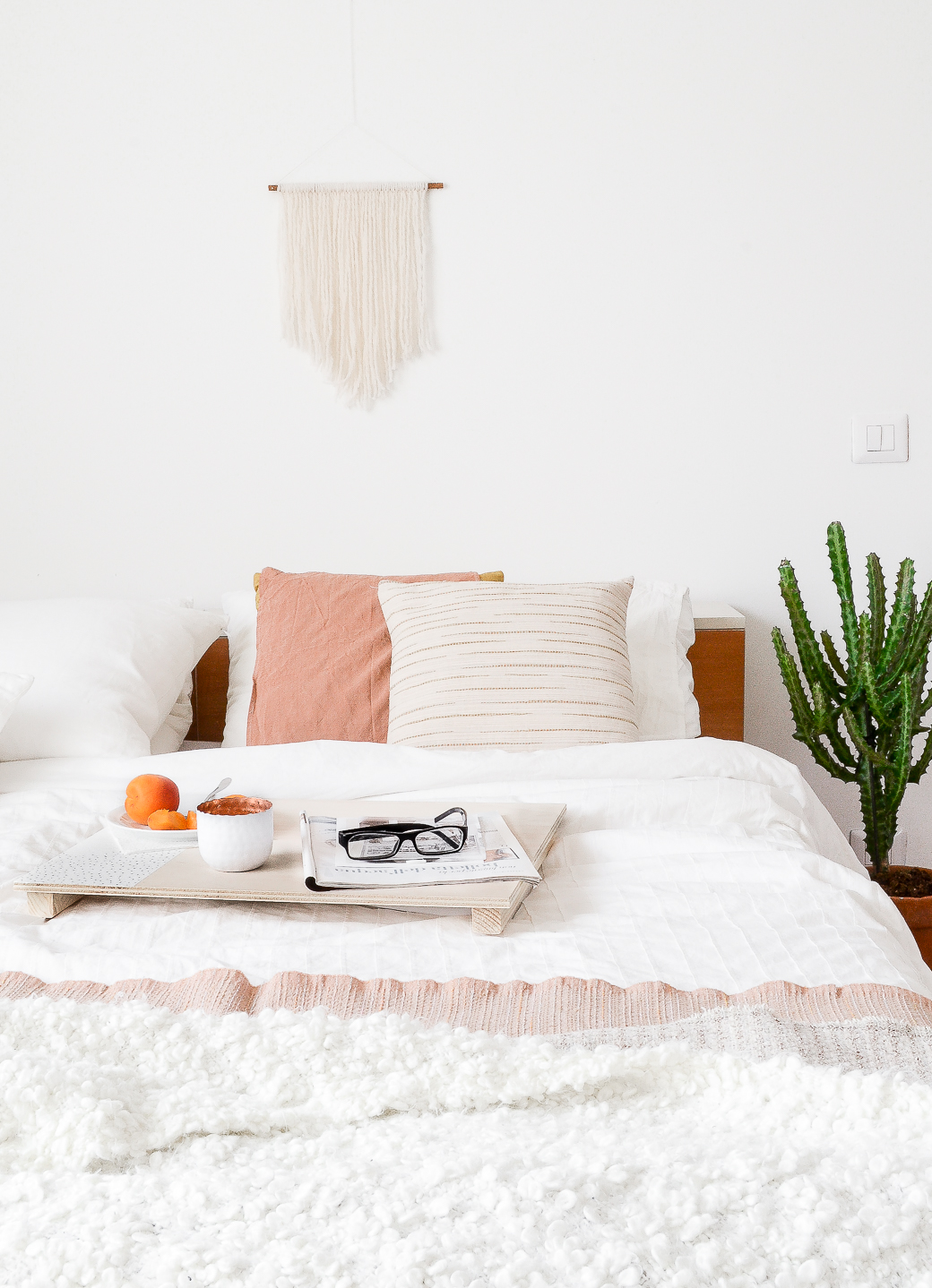 Bed-stand-decor8-1.jpg