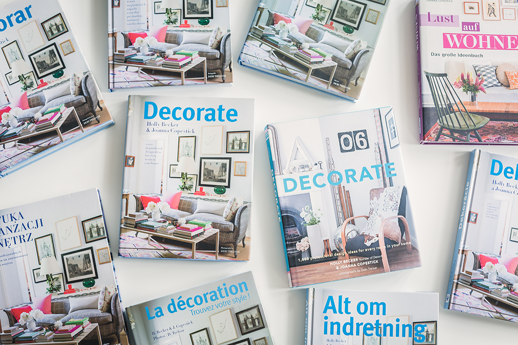 Decorate - Decorate – 1,000 Design Ideas For Every Room In Your Home, March 2011,Chronicle Books. With over 175 reviews on Amazon, this international bestseller (over 200,000 copies sold) is available in 12 co-editions and will re-issue in English in Fall 2017, also in Dutch under Restyle je huis. In 2011, Decorate was sponsored by Chronicle Books and Anthropologie for a North American book tour and toured in Europe, visiting 20 cities with two launch parties at Liberty in London. Photography: Debi Treloar