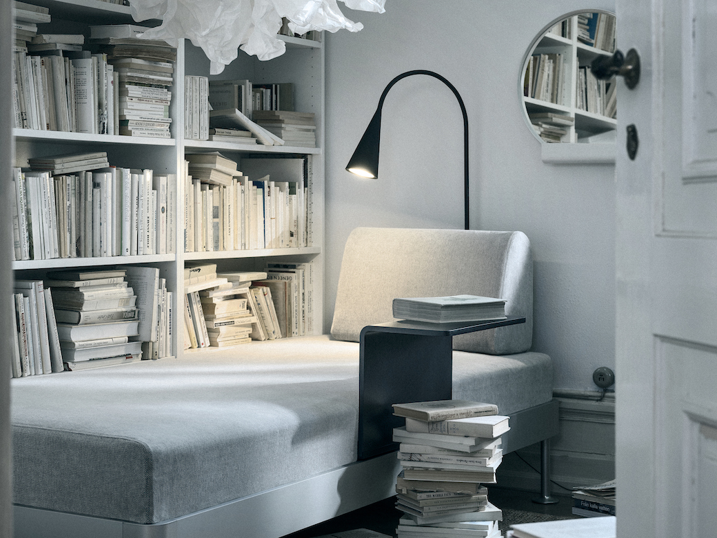 IKEA_DELAKTIG_soffa_3-sits_Tallmyra_vit_svart_med_sidobord_PH148113.jpg