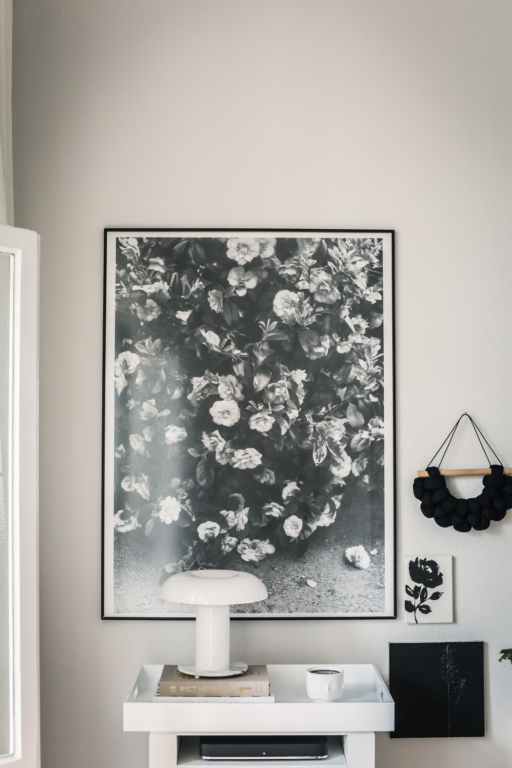 8 Ways To Decorate Around a Flat Screen TV
