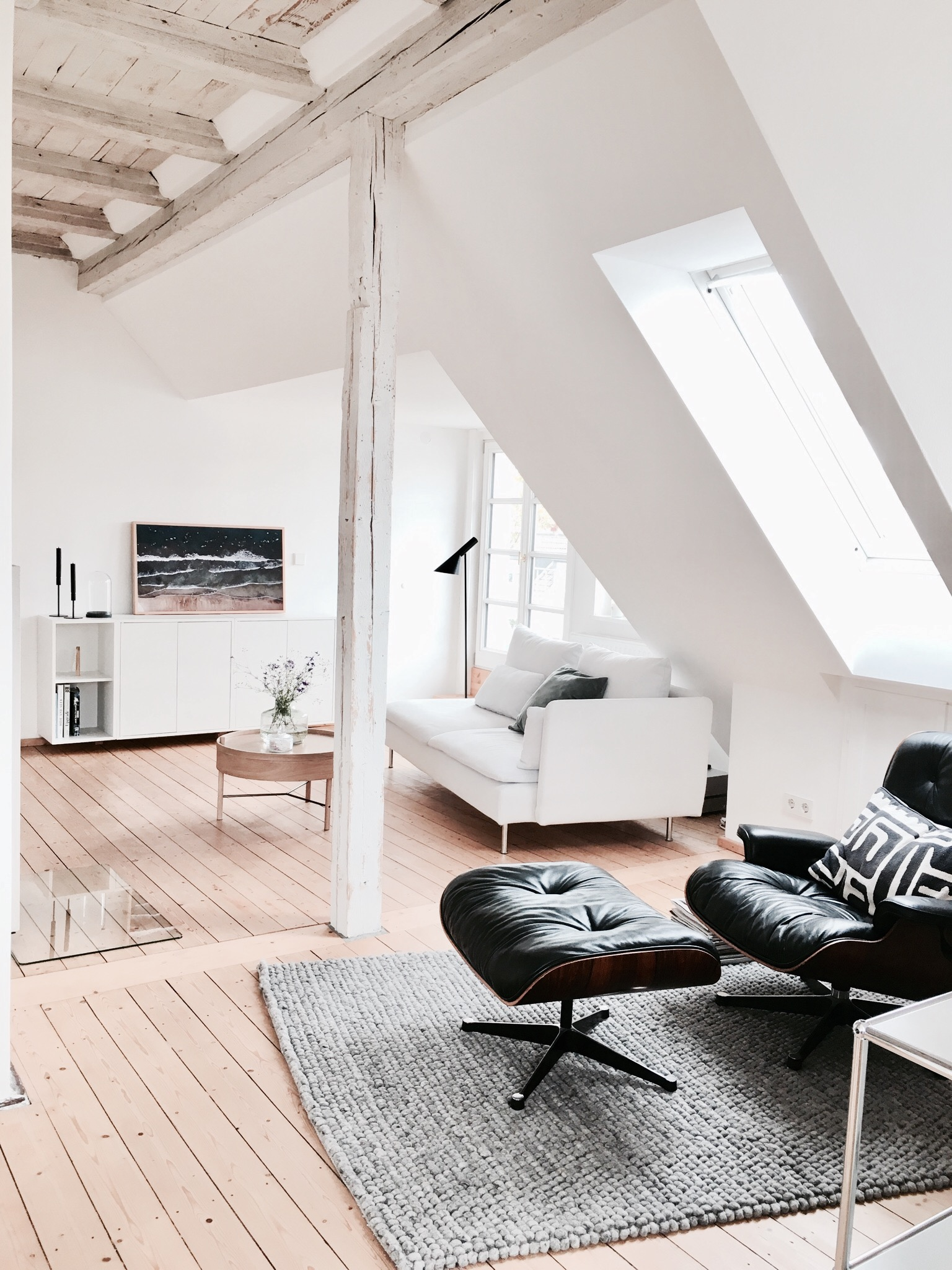 Tour A Hygge Minimalist Attic Apartment In Hannover Germany