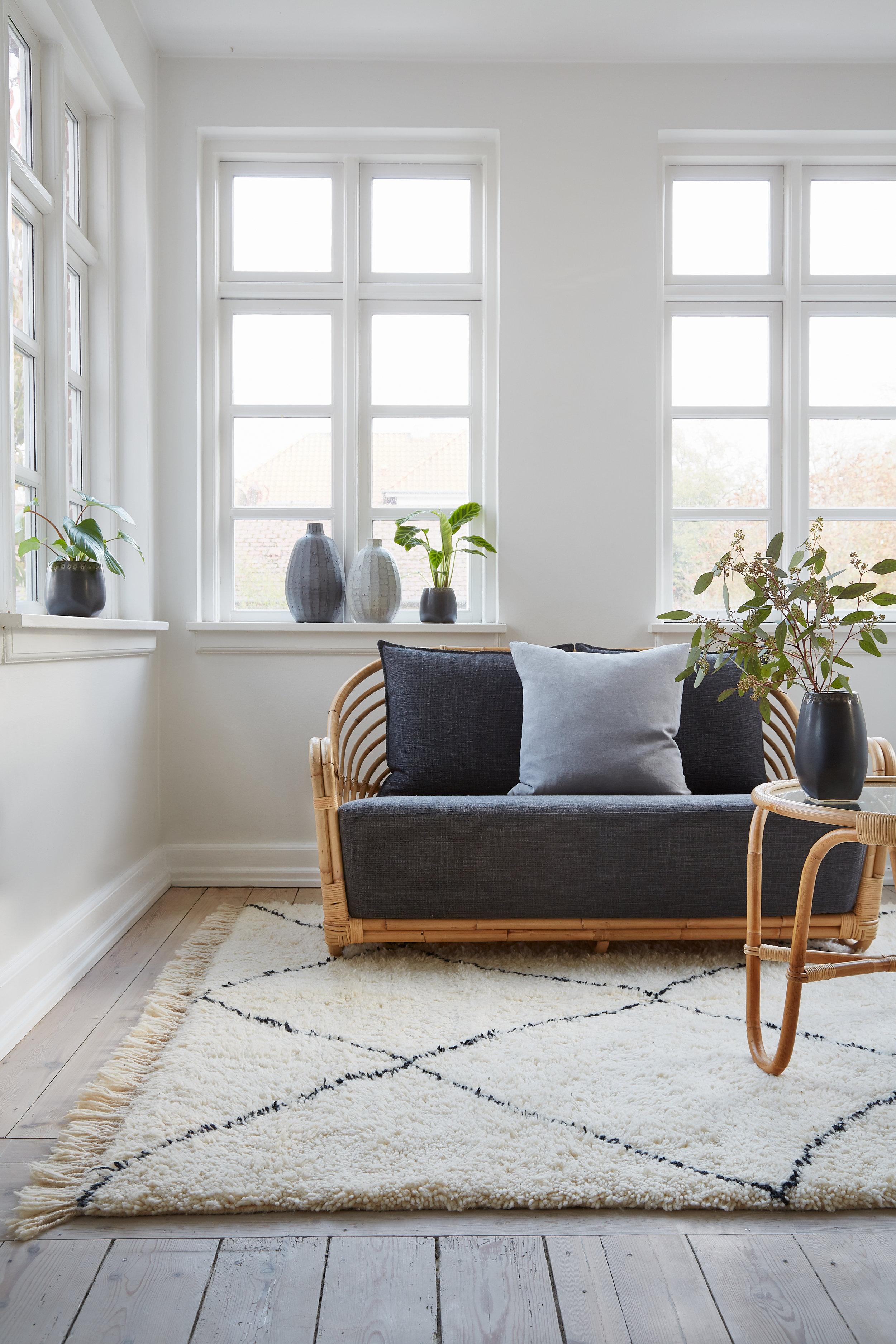 Charlottenborg 2-Seater/ Charlottenborg table/ Moroccan carpet