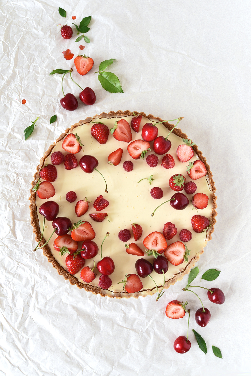 A Lovely Midsommer Garden Party Needs This Lemon Tart and These Flowers