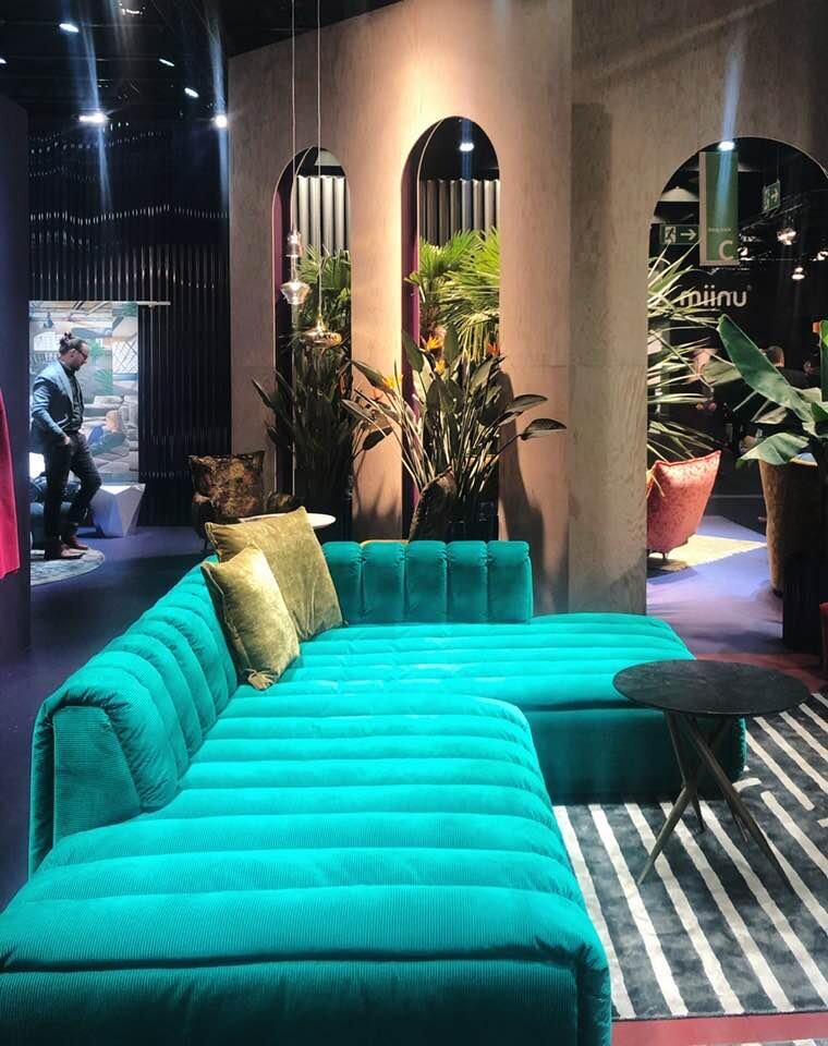 BRETZ  - I love this sofa!!!