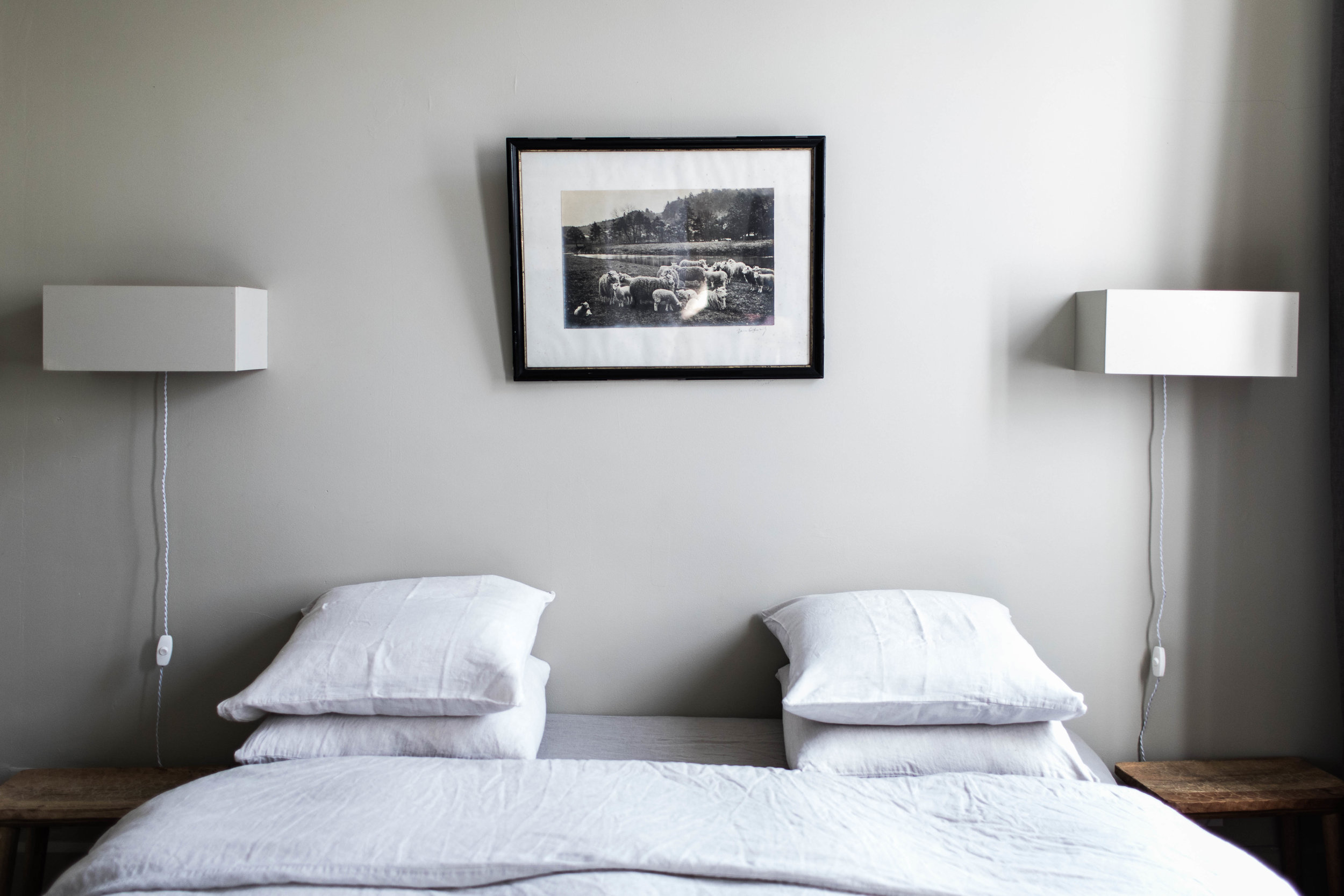 camellas-lloret-maison-d'hotes-beth-kirby-room-1-bed.jpg