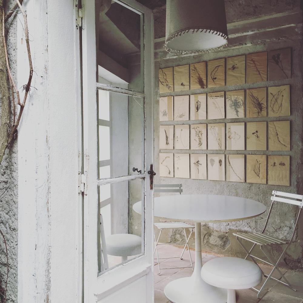 camellas-lloret-maison-dhotes-carcassonne-summer-cabin-dining.jpg
