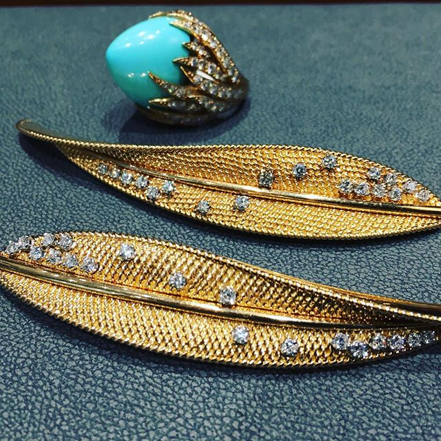 Perfection #gold work by #pierresterle the Jewellers jeweller @hancocks_london @britishvogue