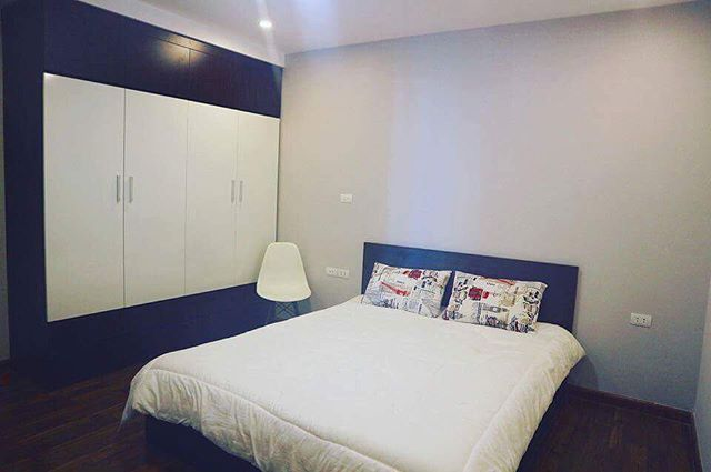Shared room in apartment in Goldmark City 136 Ho Tung Mau 🌘Something new but something different! 🔐 🔑( zalo/ whatsapp) : +84 437154300 📌Email: info@toravy.com 📌Website: toravy.com 🌱Toravy Booking: Toravybooking.com 🌱Toravy Trade: Toravytrade.com 👉🏻👉🏻 want to rent for short/ long term, plz contact/ msg for free consultation❤️ Everything is in a constant process of change 💜  #travel #homestay #pictureofthedaychallenge #love #heart #me #you #romantic #dinner