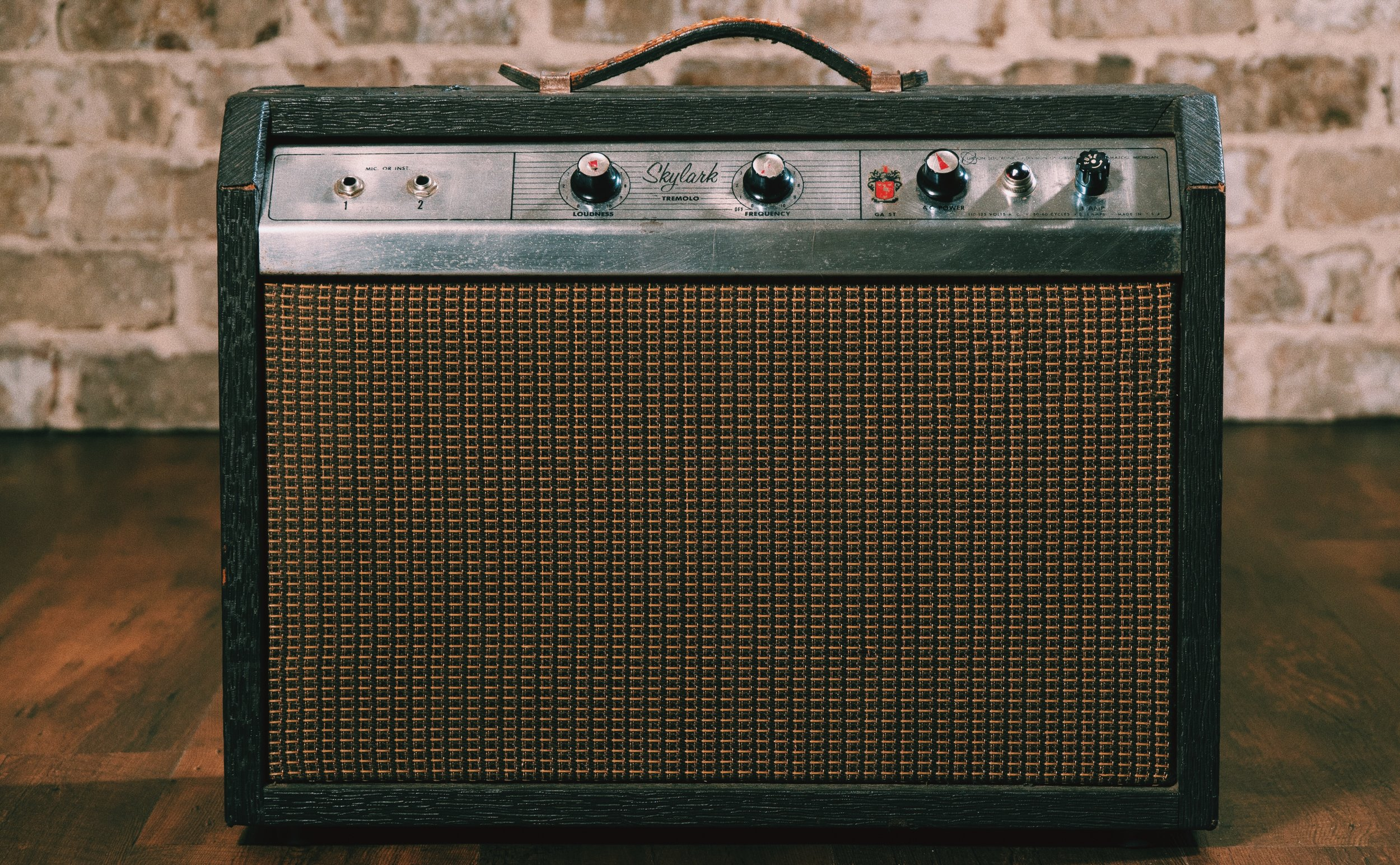 64 SKYLARK - This little amp has vibe, and one volume knob…which is all the way up.