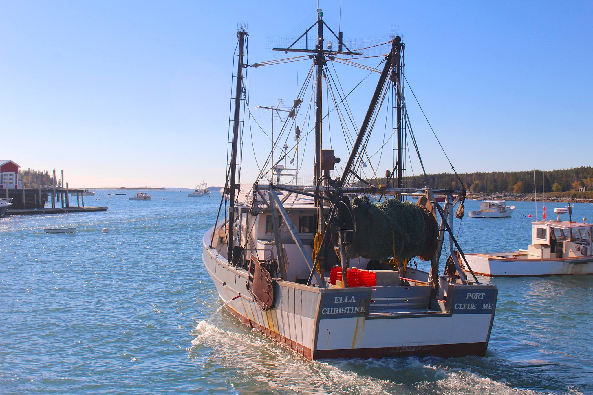 Electronic Monitoring in the New England Groundfish Fishery: Lessons Learned From a Collaborative Research Project (2013-2015) (Photo courtesy of Chenie Prudhome)