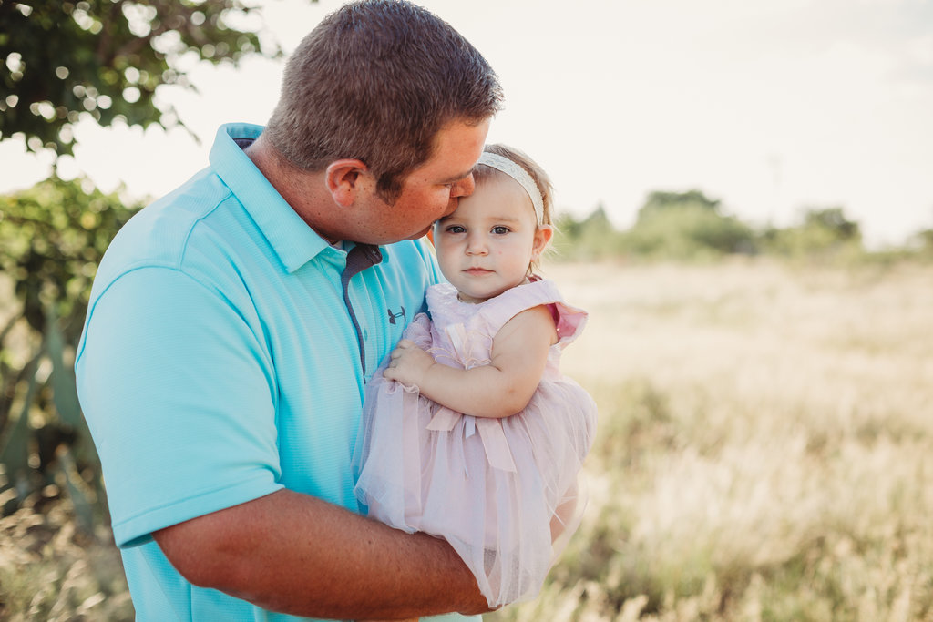 Midland Texas family photographer Daddy and me session