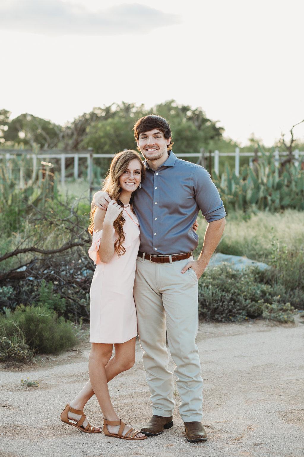 midland texas engagement photographer nizhoni photography (10).jpg
