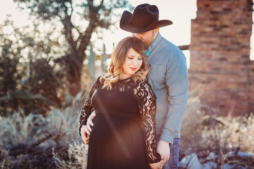 couples maternity session in Midland texas