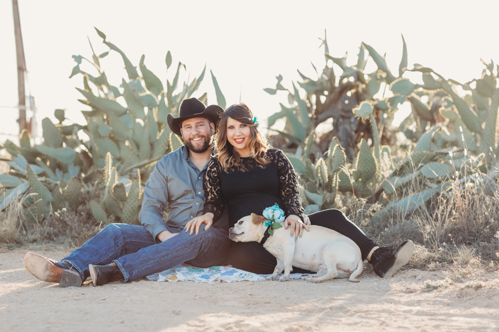 midland texas maternity session with dog