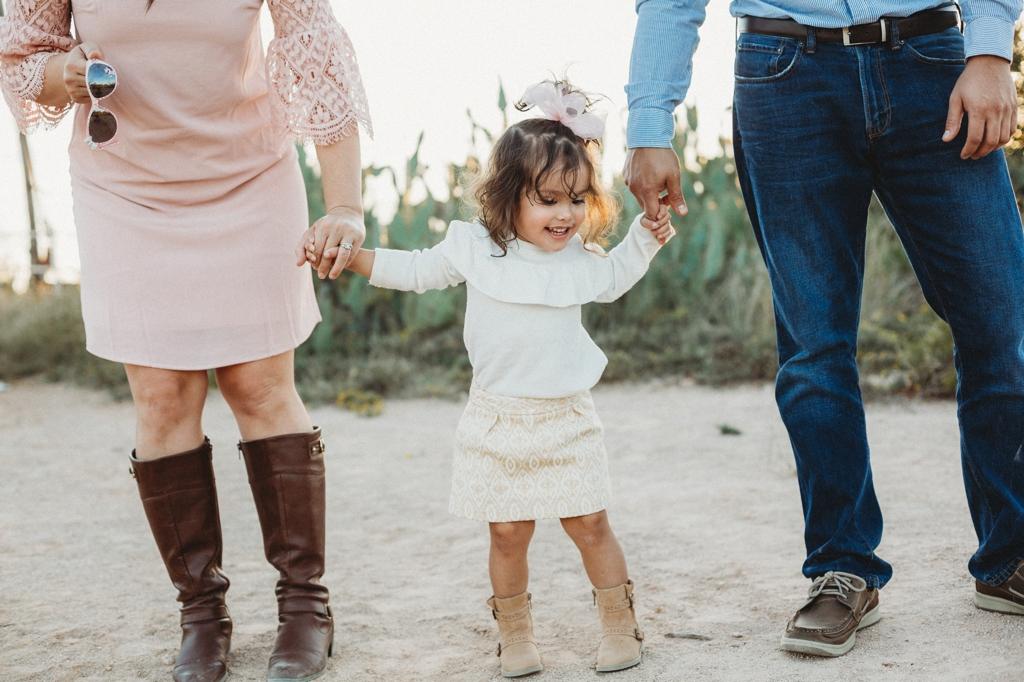 outdoor family lifestyle session midland texas