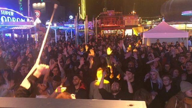 We had a blast at @fm4unlimited last Friday! 🎡The stage was in the middle of Vienna's big, classic fairground, the legendary 'Prater' and lights and rides were all over. The crowd was great and we enjoyed our set big time. Half of it was broadcasted live on @radiofm4 and was even blasting out of some rides' speakers, while people went crazy on them. And lots of sick artists on different stages and floors. 🎢 Thanks to FM4, @_philippe.lapierre & his crew and everybody, who came down! And yes, that's Klumzy on crutches! 🔥 . #deroandklumzy #fm4 #fm4unlimited @mrdero  @klumzy_tung #prater #wien
