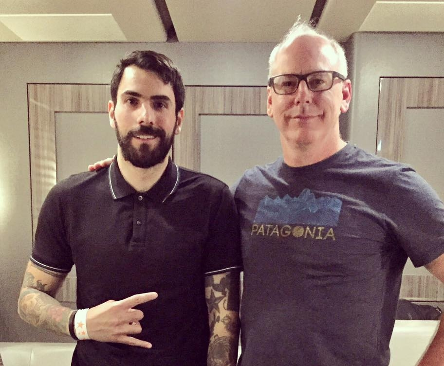 Mike Damante gets to give Greg Graffin a copy of 'Punk rock and UFOs' before a show at Warehouse Live in Houston .(Mike Damante)