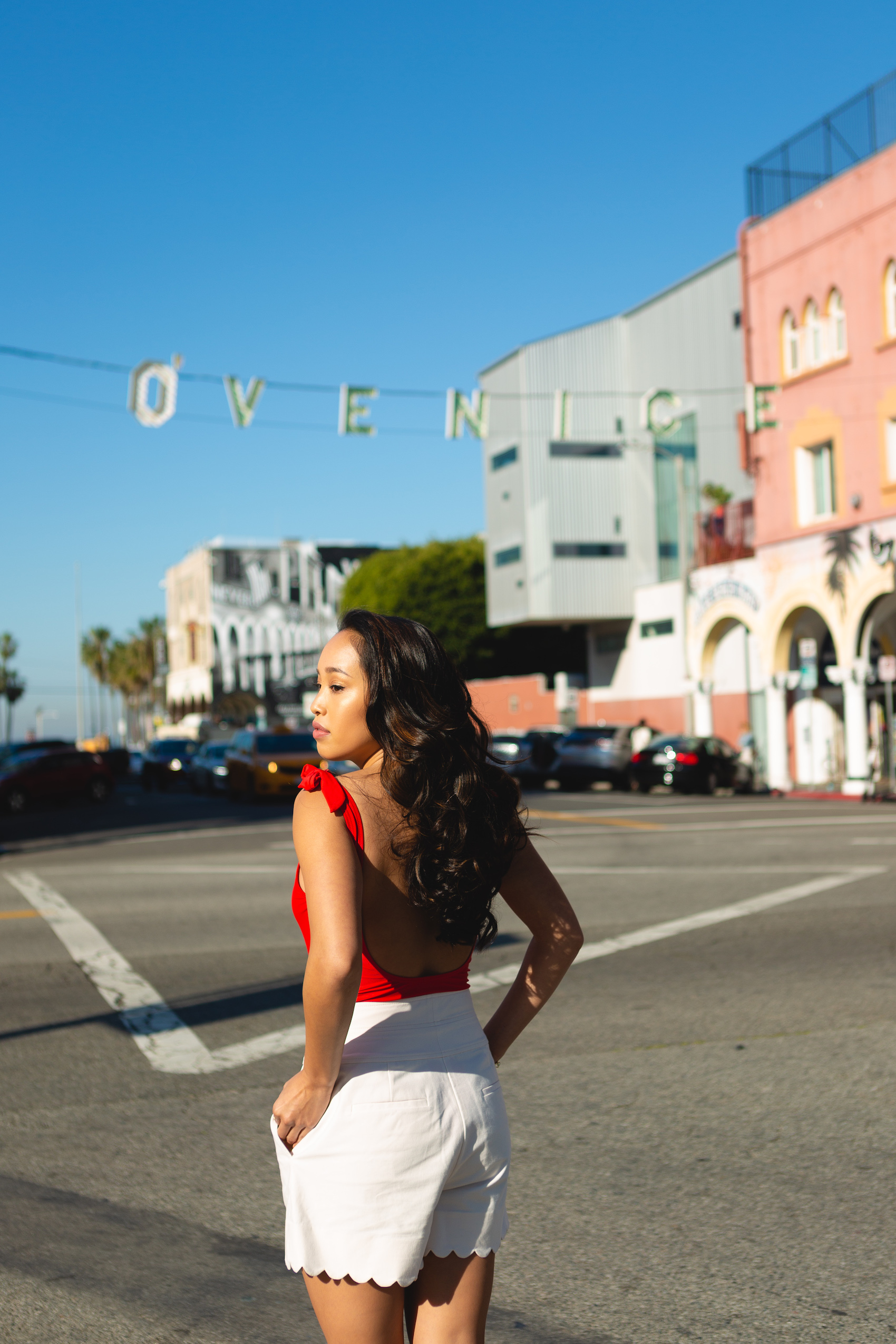Melanie Sutrathada shares 10 things to do on the Venice Beach Boulevard..jpg