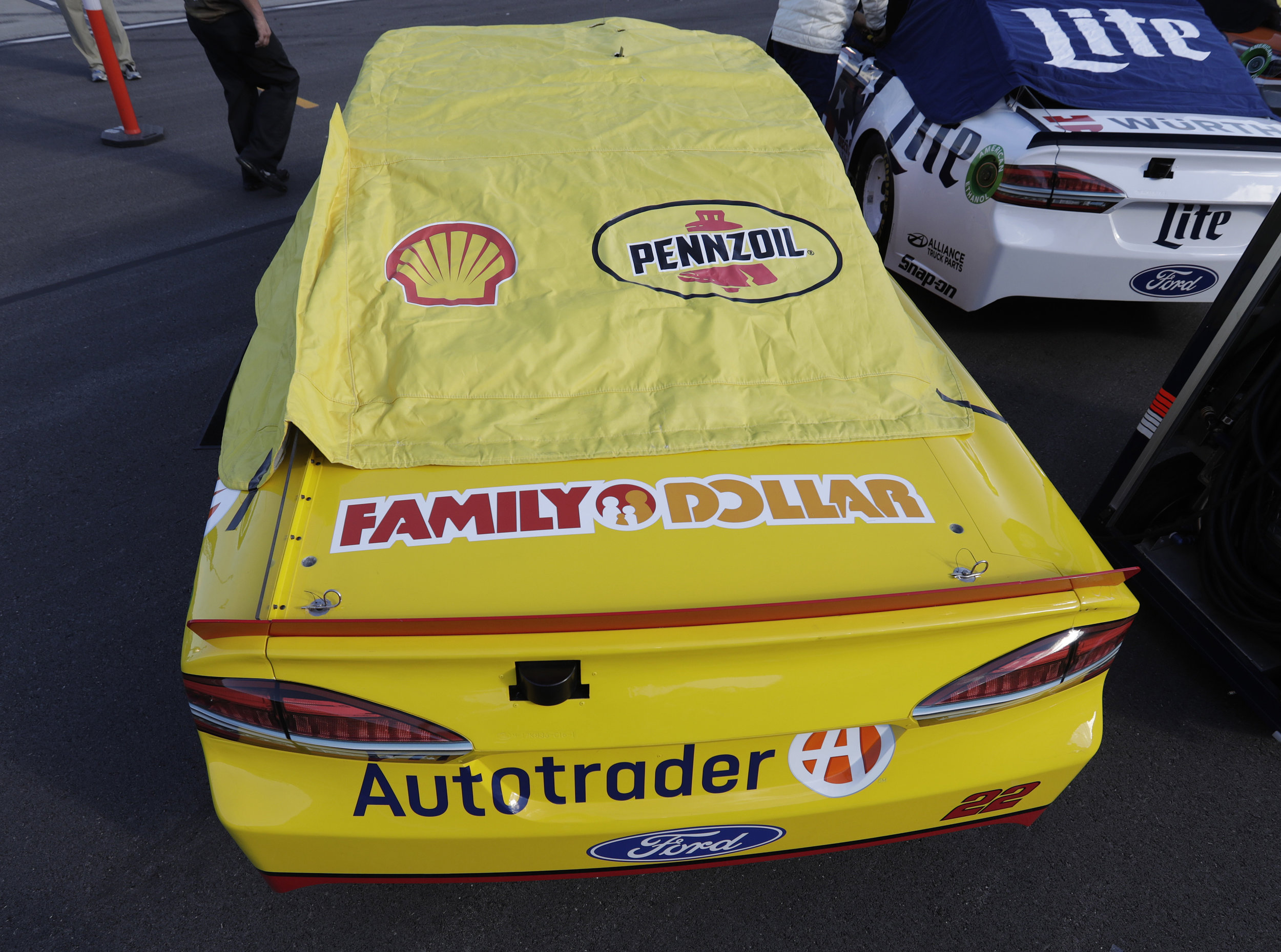 Family Dollar was featured on Joey Logano's decklid for the race.