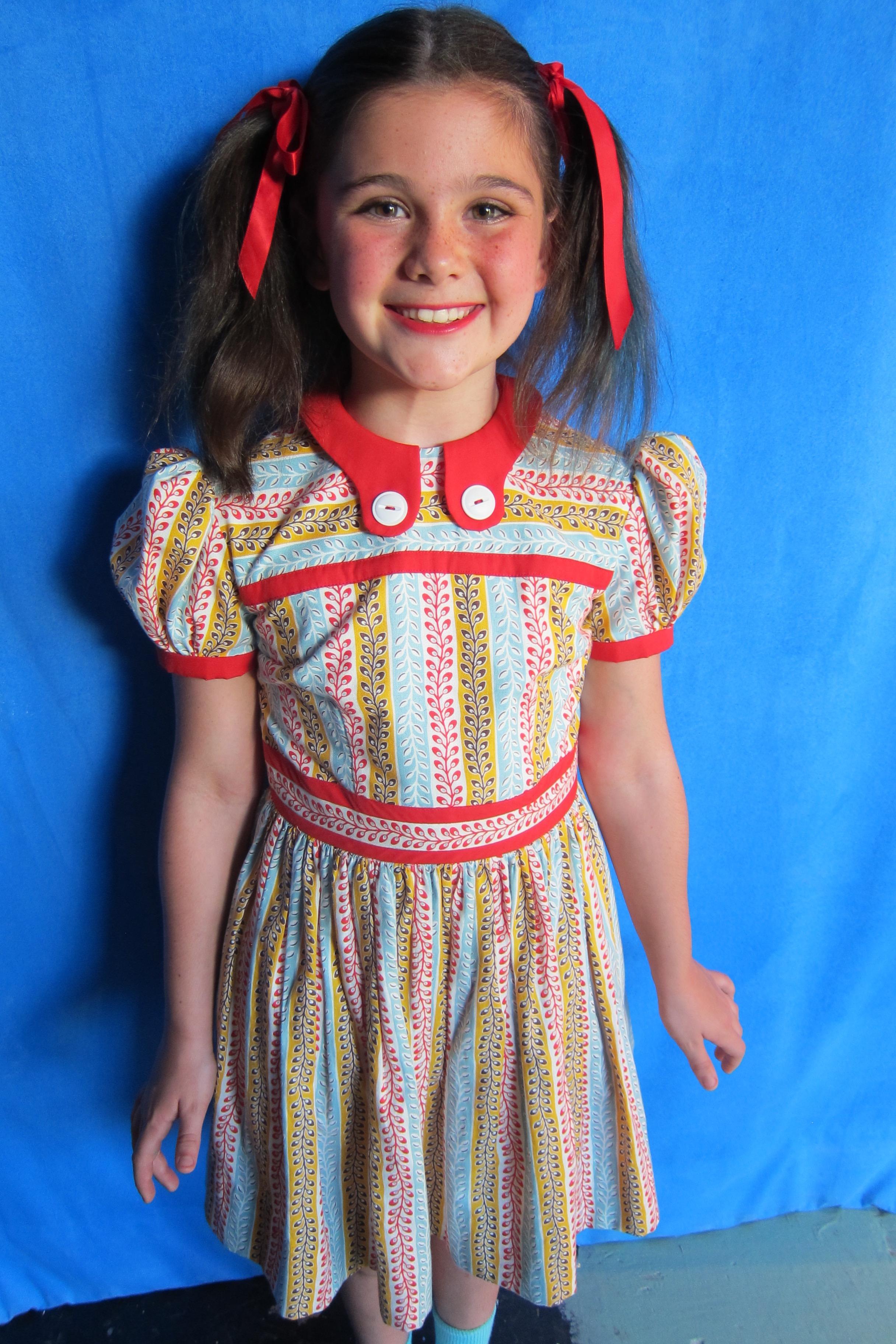 Dress Detail, Ensemble Girl