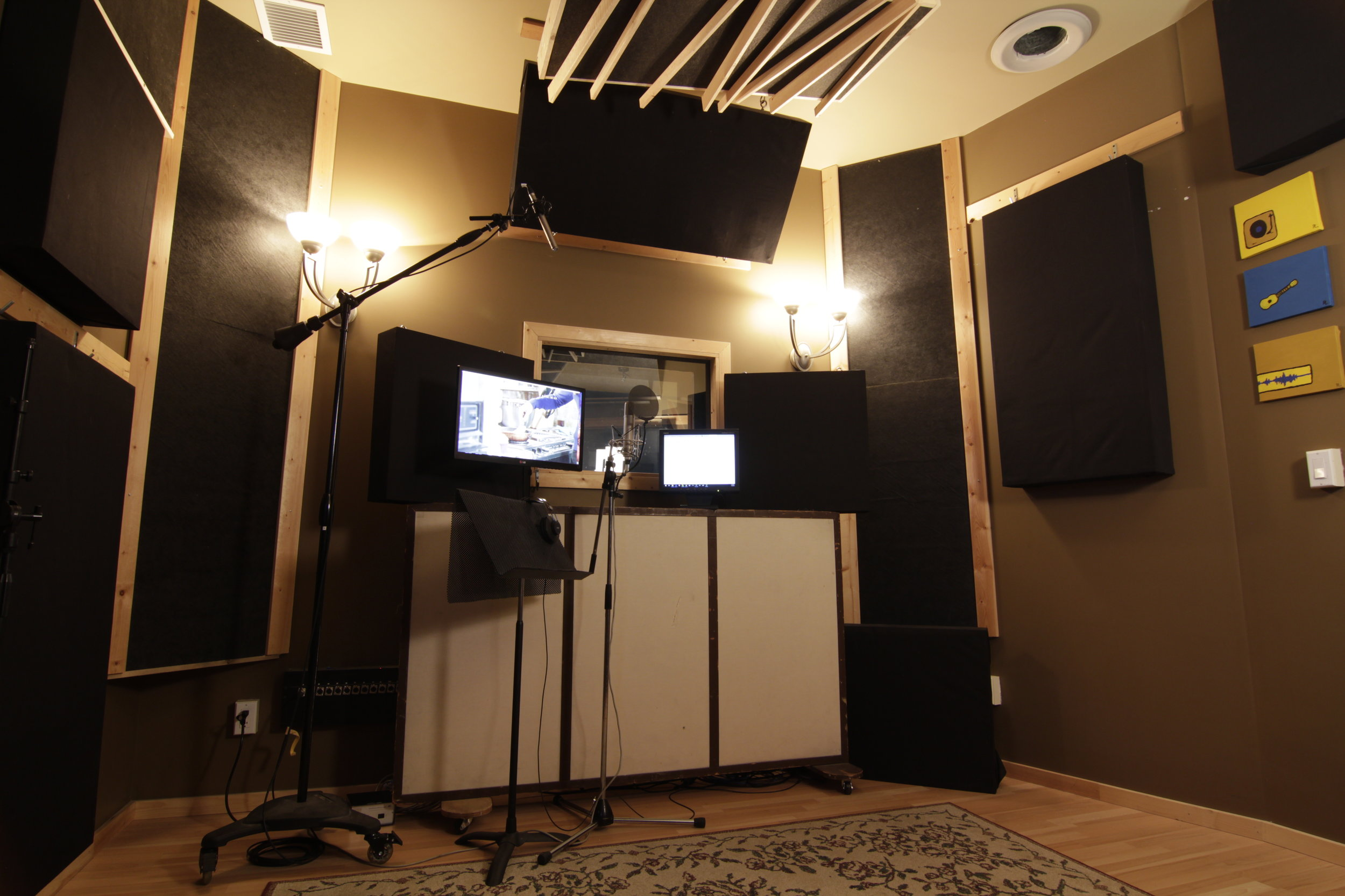 Vocal booth, live room
