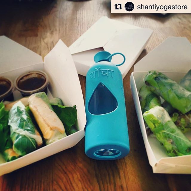 Todays healthy lunch inspiration from @shantiyogastore 👌🌸🙏 Here with our Ghongha Azure! Only a few left in stock #getitwhileyoucan shop link in bio! ✌️