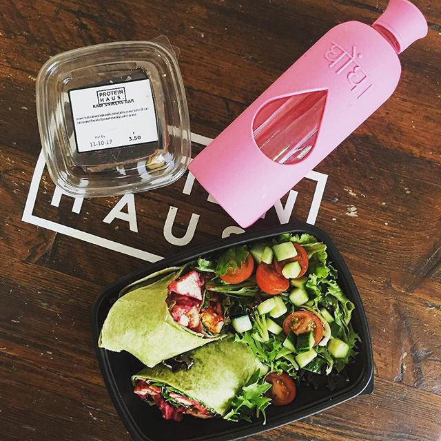 Amazing lunch inspiration repost from @bienestar.co 💚✌️🌯 keeping hydrated with our Ghongha Blush! #bpafree #glassbottle