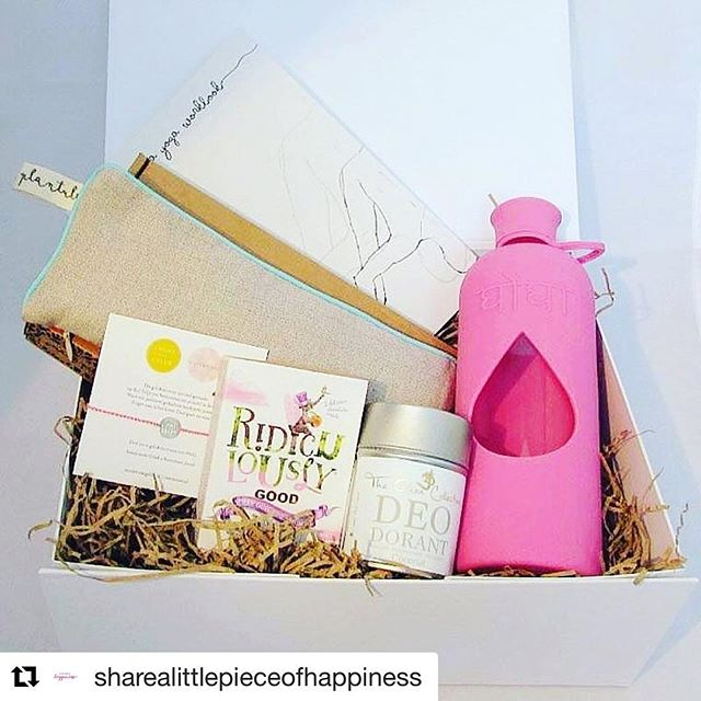 How perfect is this Xmas gift? #amazing 💕💕 from our lovely stockists @sharealittlepieceofhappiness #Repost ・・・ With Christmas on its way, we thought we might give you some help to avoid last-minute-shopping-stress. We've got some beautiful gift boxes ready to pre-order online. Pre-order before 8th December and delivered at your doorstep just before Christmas! Enjoy shopping here: https://www.alittlepieceofhappiness.com/collections/gift-boxes  #sharealittlepieceofhappiness #ghongha #ridiculouslygood #theohmcollection #riverstones_jewels #plantulepillows #yogaaccessories #yogalifestyle #yogini #happyyogini #rawchocolate #naturaldeodorant #bpafreewaterbottle #bpafree #ethicalgifts #ethicalxmasgifts #ethicalchristmas #meditationaccessories #yogaeveryday #yogaeveryday #looxayogaworkbooks