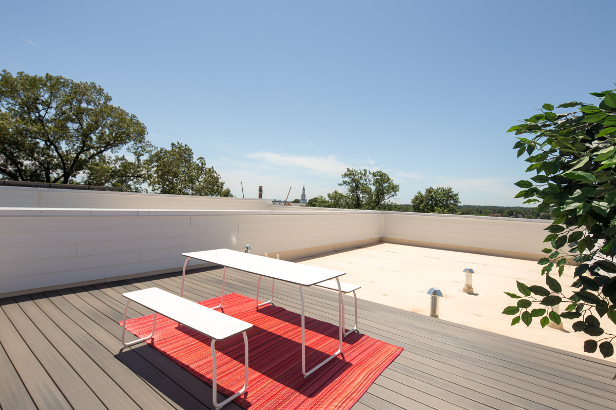 049 Roof.jpg