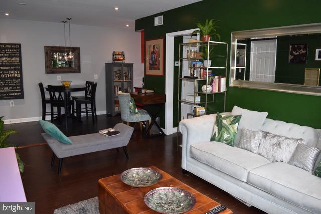 Living Room-Dining.jpg