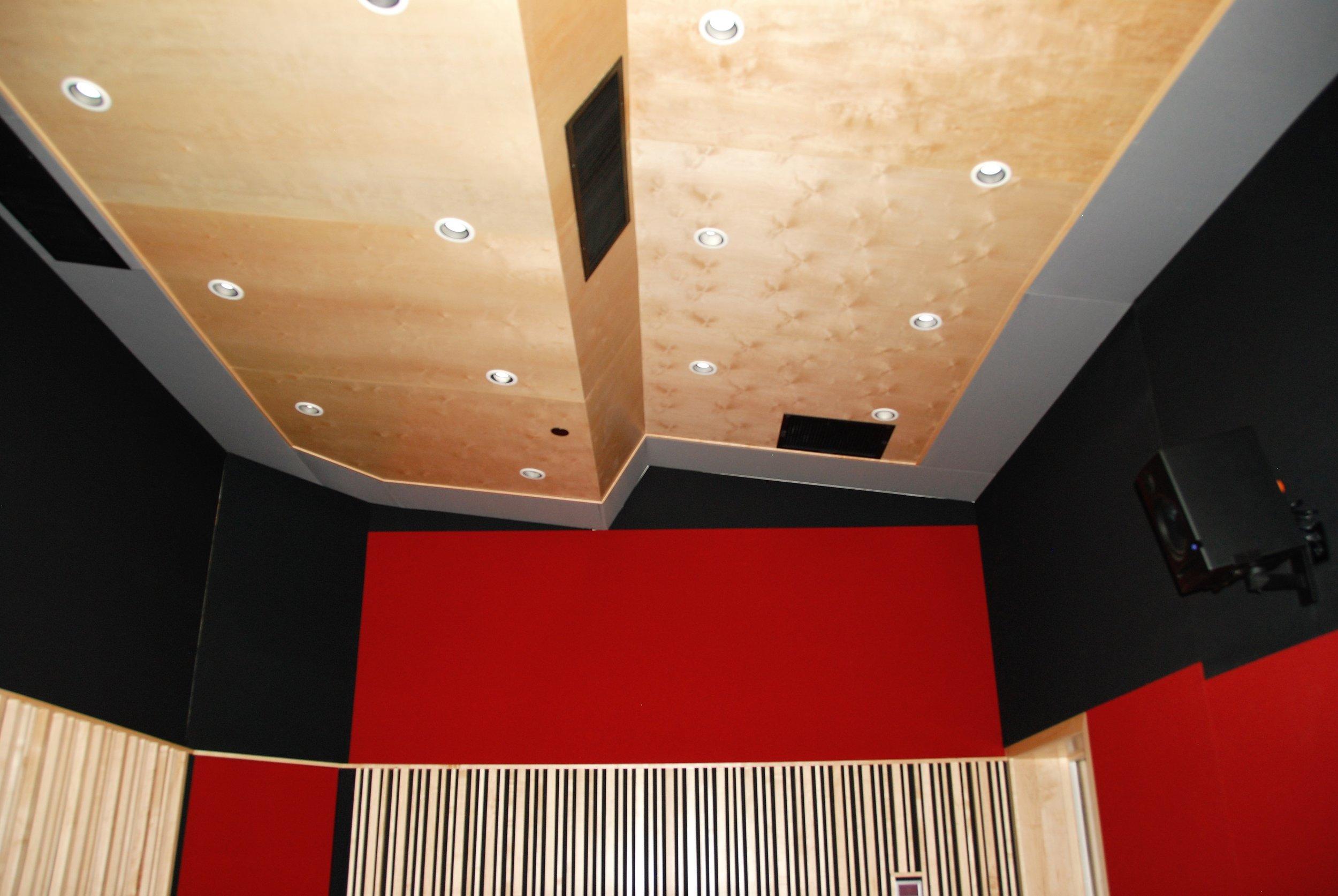 Live Rm Ceiling.JPG