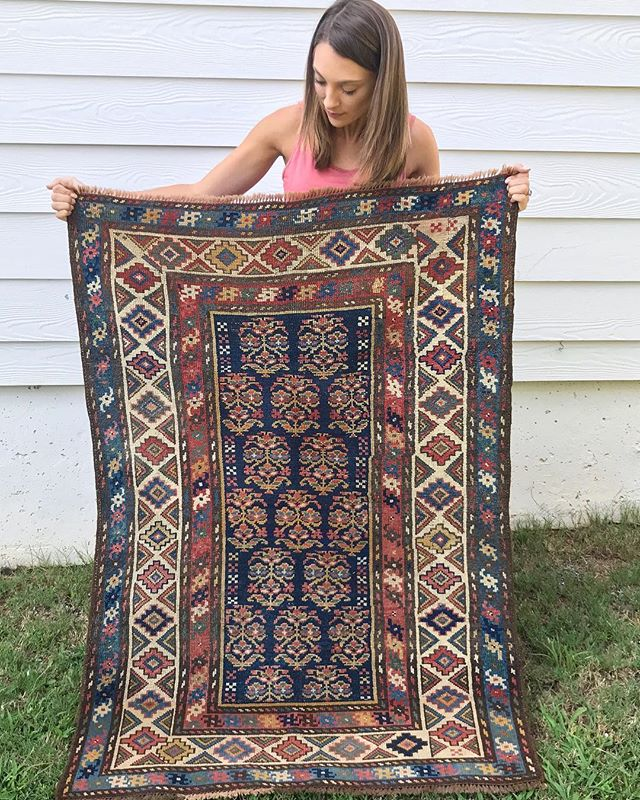 Happy Monday! I hope everyone's week is off to a great start! Be sure to check out the site for a bunch of markdown rugs!