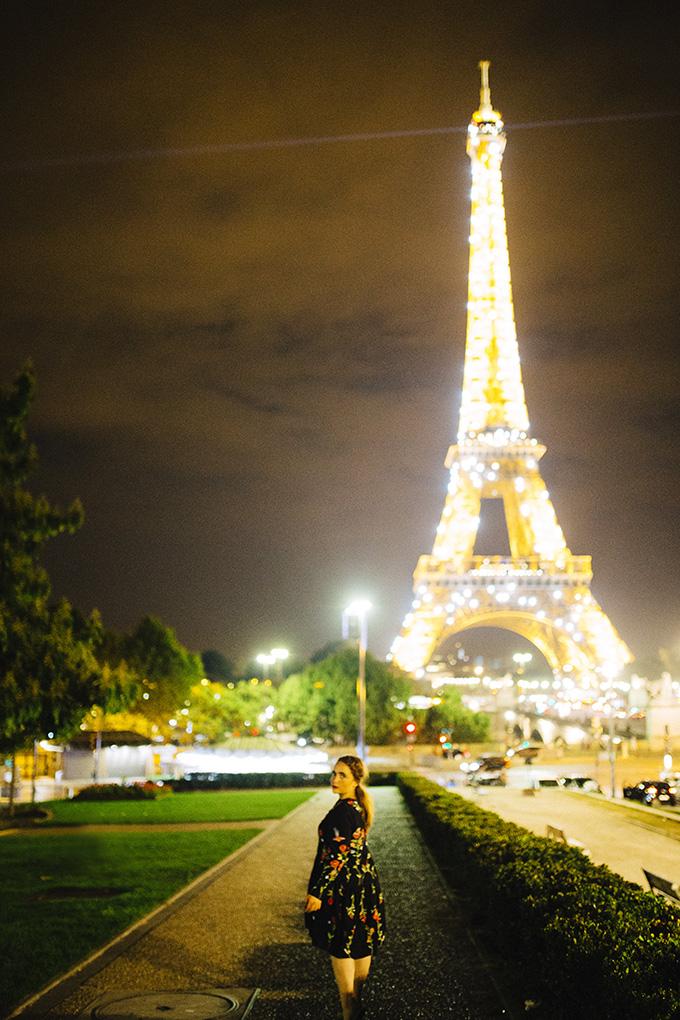 Eiffel-tower-lit-up.jpg