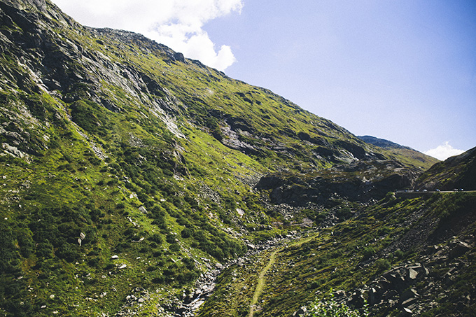 Switzerland-Mountain-Range.jpg