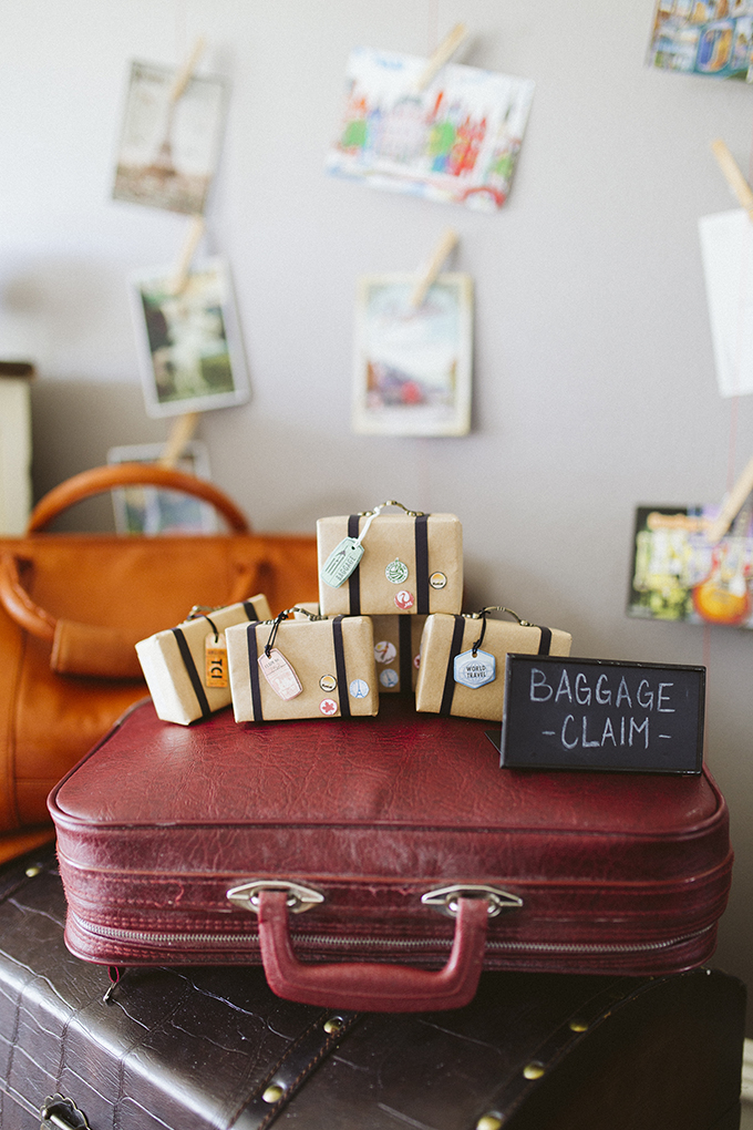 suitcase-party-favors.jpg
