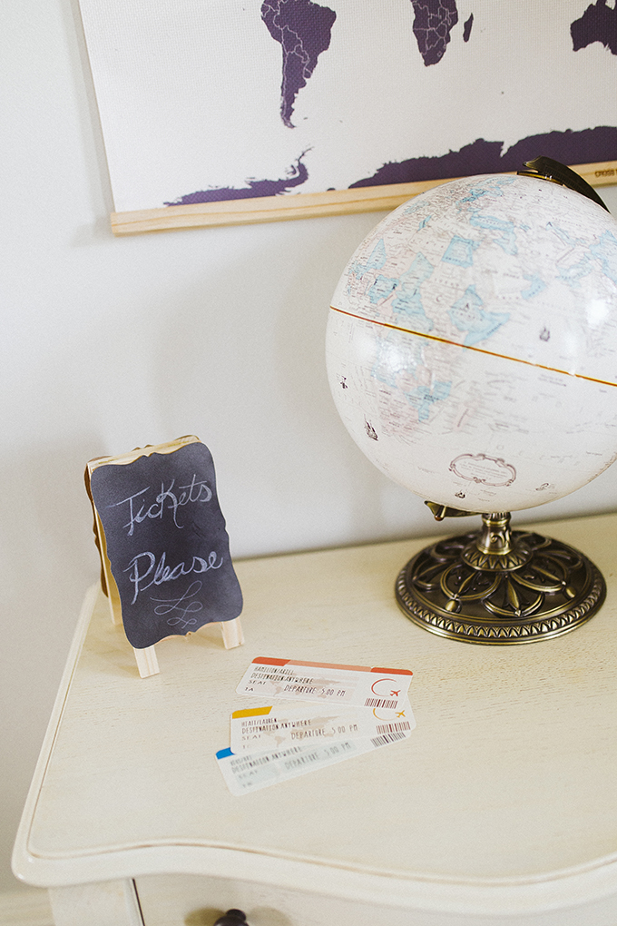plane-ticket-party-invitations.jpg