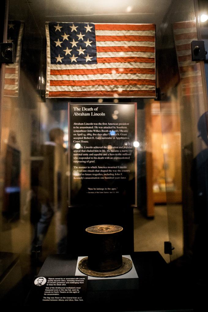 Abraham-Lincoln's-Top-Hat.jpg
