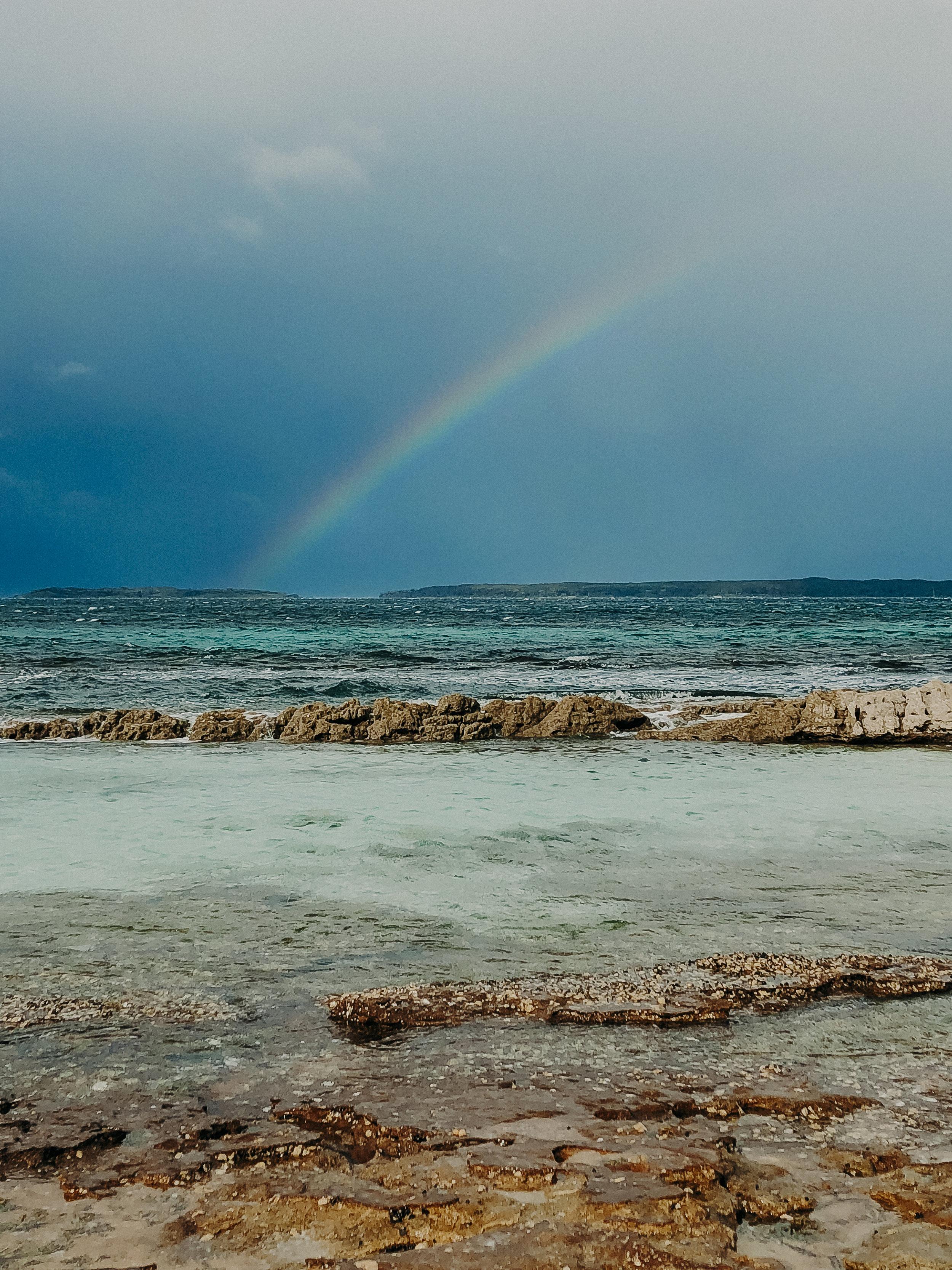 Hyams-Beach-Australia-Whitest-Sand-In-The-World-17.jpg
