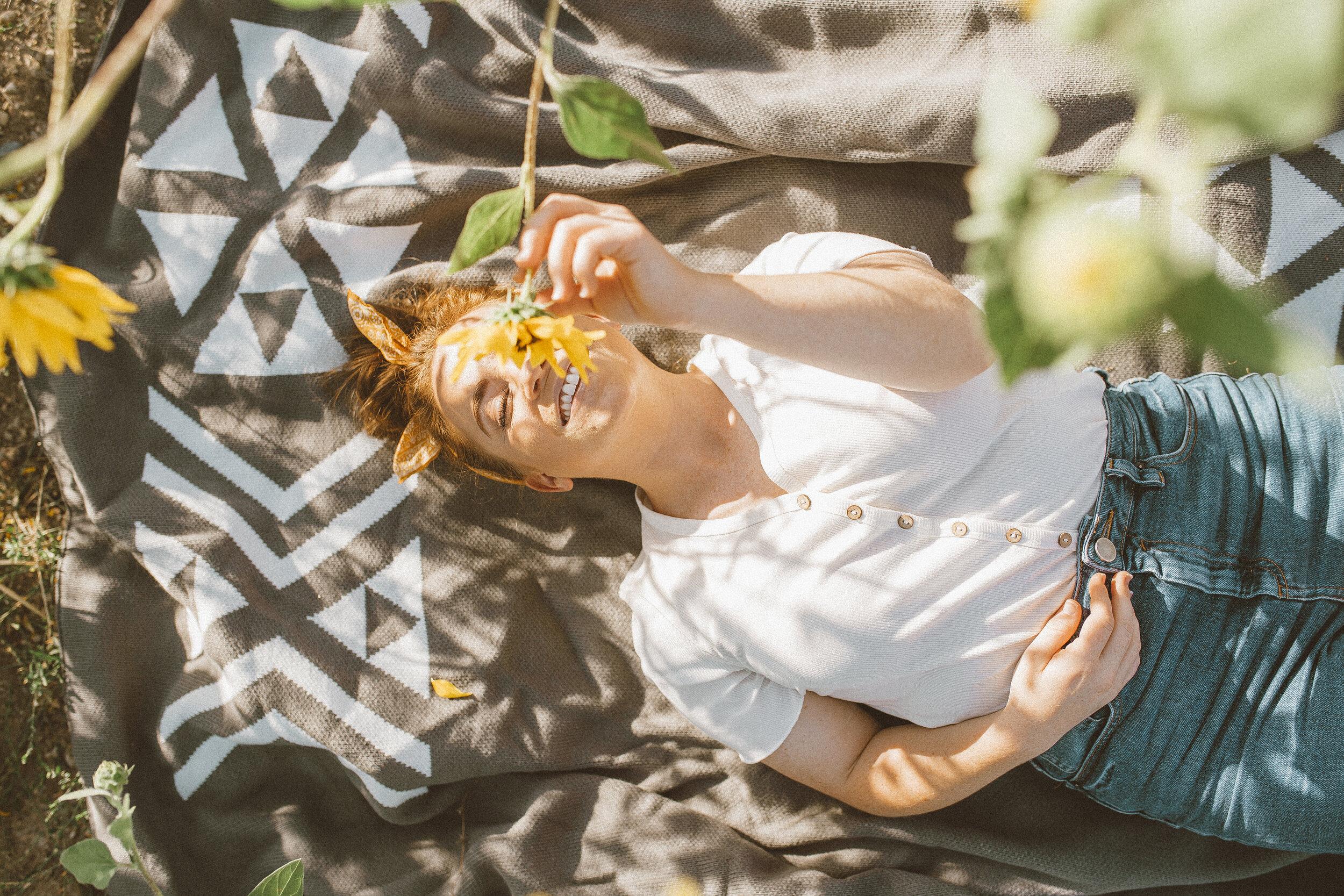 Big Blanket Co Review Sunflower Fields-15.jpg
