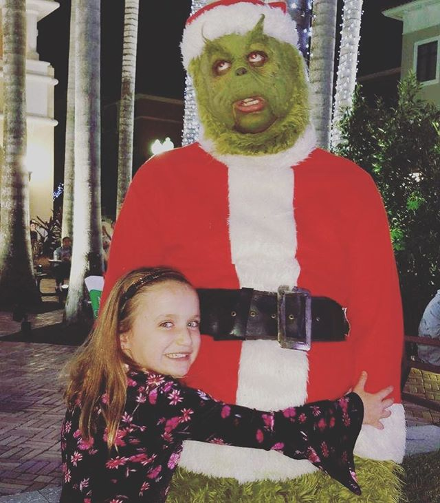 Be a Presley, not a Grinch 🤣