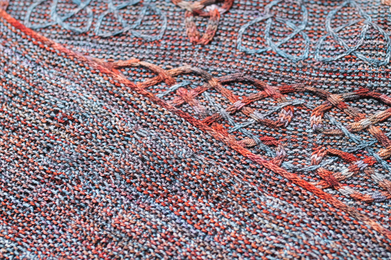 Lindisfarne shawl, right side and wrong side