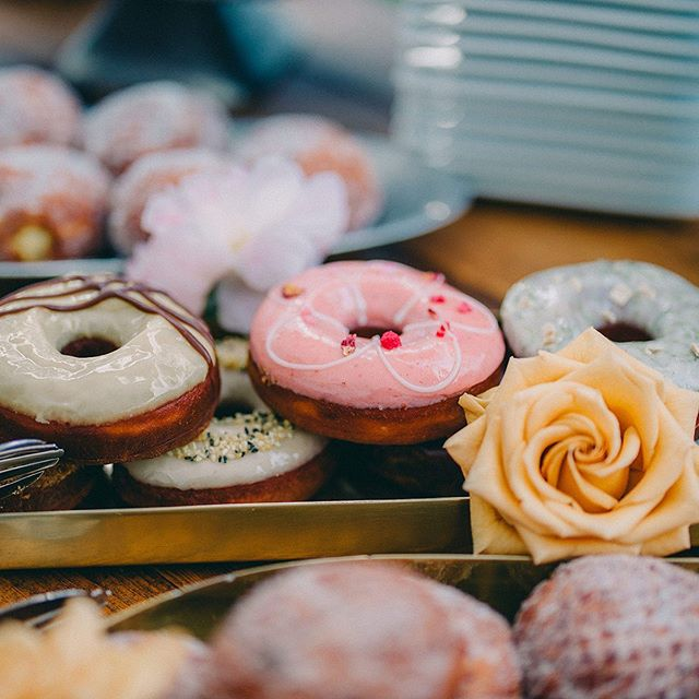 🍩😋🍩 @donutdynamite 💃🏻YOU. ROCK.🕺🏻 #extraordinarymauiweddings  #bestdayever  #mauibeachwedding  #destinationwedding  #mauiwedding #mauiweddingvenue