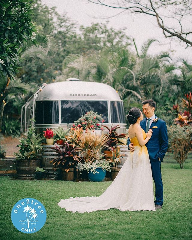 Yup.  We have Airstreams 🥰  #extraordinarymauiweddings  #bestdayever  #mauibeachwedding  #destinationwedding  #mauiwedding #mauiweddingvenue