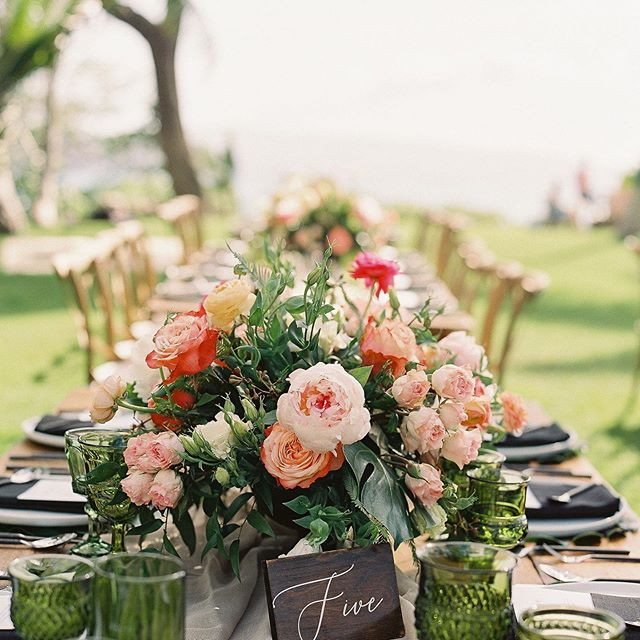 🥰 #extraordinarymauiweddings  #bestdayever  #mauibeachwedding  #destinationwedding  #mauiwedding #mauiweddingvenue