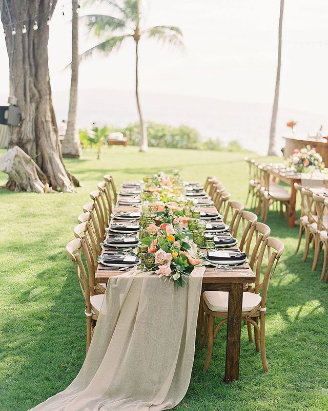 😍 #extraordinarymauiweddings  #bestdayever  #mauibeachwedding  #destinationwedding  #mauiwedding #mauiweddingvenue