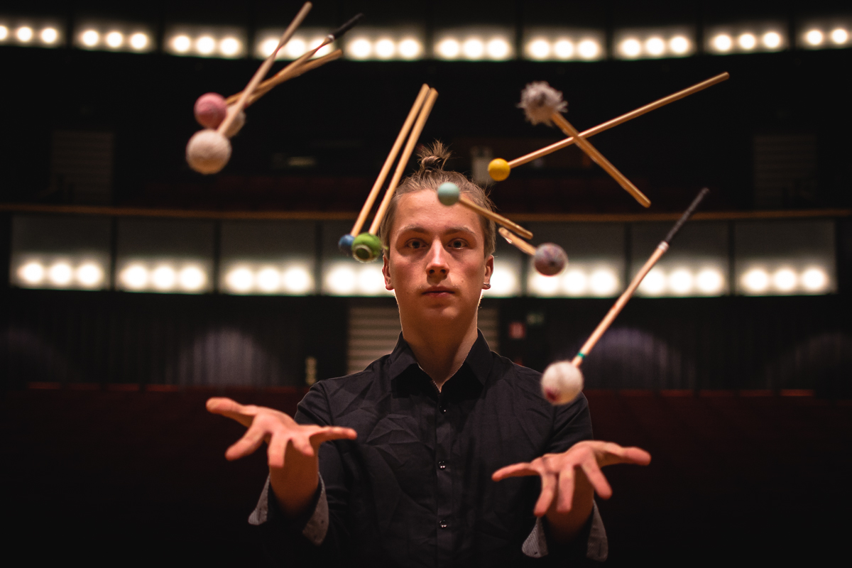 Kalle Hakosalo - 2018 Winner of the 1st Prize  is a young, prolific Finnish percussionist and performer who currently pursues his Bachelor's degree with prof. Gert Mortensen in Copenhagen. Passionate about bringing solo and contemporary percussion music to the audiences in his native Finland and abroad, he continuously arranges and performs concerts of diverse programs, from Baroque arrangements to brand new works written for him. Recipient of various prizes and scolarships (eg. IPI Competition, Enkor Competition, Idella Foundation Grant), Hakosalo works closely with present-day composers (eg. Tapio Nevanlinna, Jeppe Just Christensen, Annette Schlünz) and performers (eg. NEKO3, km²) to develop new works and new ways of interpreting the existing. Kalle former teachers include Johan Bridger, Theodor Milkov and Antti Rislakki; moreover, he's actively participating in international masterclasses and competitions (eg. Darmstädter Ferienkurse, TROMP Percussion Eindhoven) with renowned artists like Katarzyna Mycka, Christian Dierstein, Simone Rubino and Chris Lamb.
