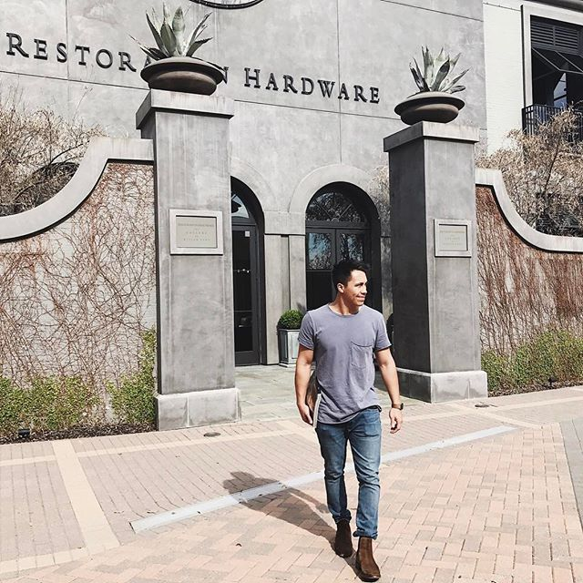 When the wife loves @restorationhardware_ , you tag along and just agree! 😀👍🏽 ————————— #hm #gap #fryeboots #restorationhardware